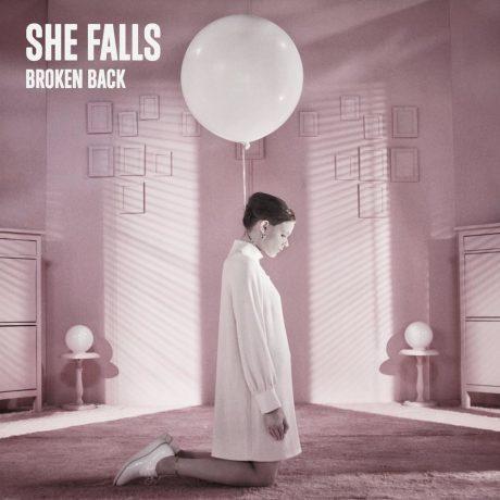 She Falls - Broken Back: quand la musique lutte contre les violences faites aux femmes